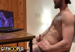 Jaxon Valor – Str8 for$$Pay$$ . GAY MODEL tries to jerk to Str8 Porn. One of the most requested scenes… don't ask us why