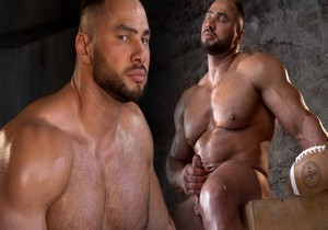 Naked Russian Bodybuilder 3 – Stas