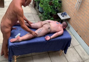 Barebacking with Dirty Masseur Maxim Homme